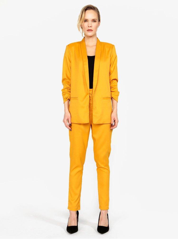Hořčicové kostýmové kalhoty s vysokým pasem MISSGUIDED