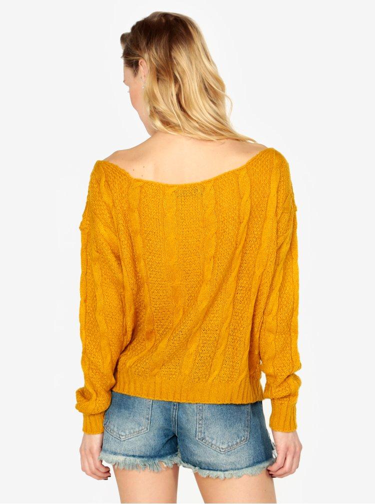 Hořčicový lehký svetr s lodičkovým výstřihem MISSGUIDED