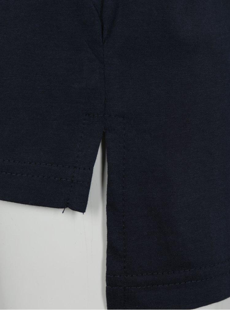 Tmavě modré klučičí tričko s prodlouženým zadním dílem a potiskem Blue Seven