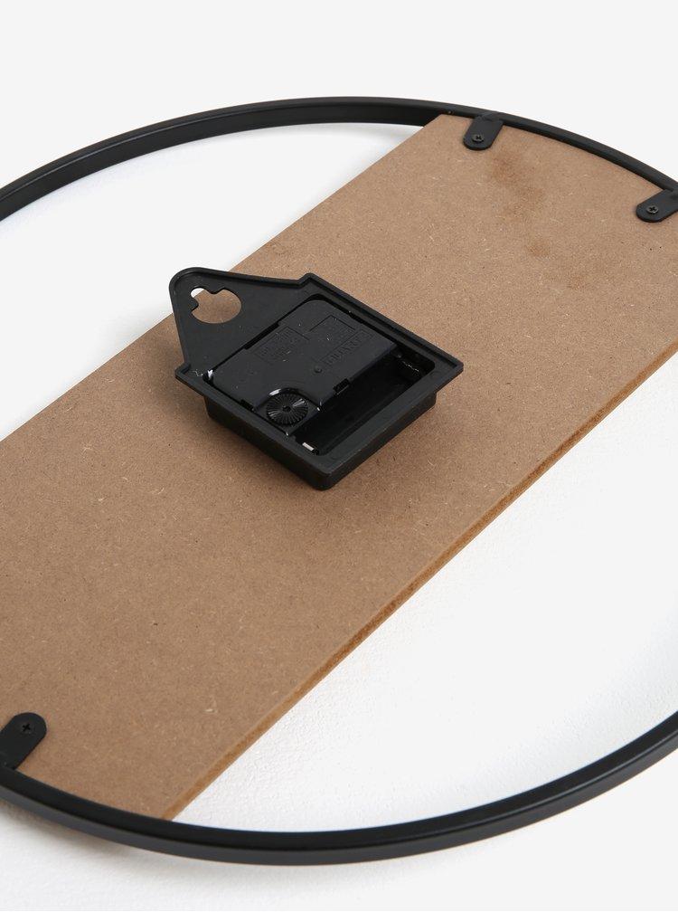 Černé nástěnné hodiny s dřevěným detailem Kaemingk