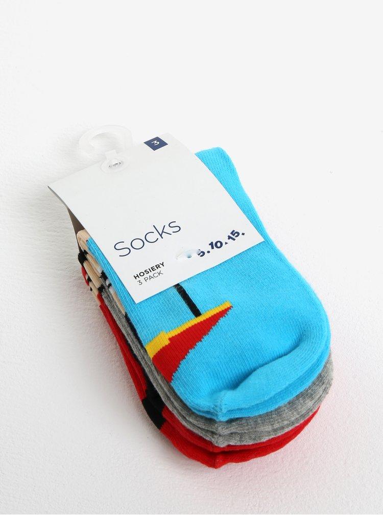 Sada tří párů klučičích ponožek s motivem superhrdinů v červené a modré barvě 5.10.15.