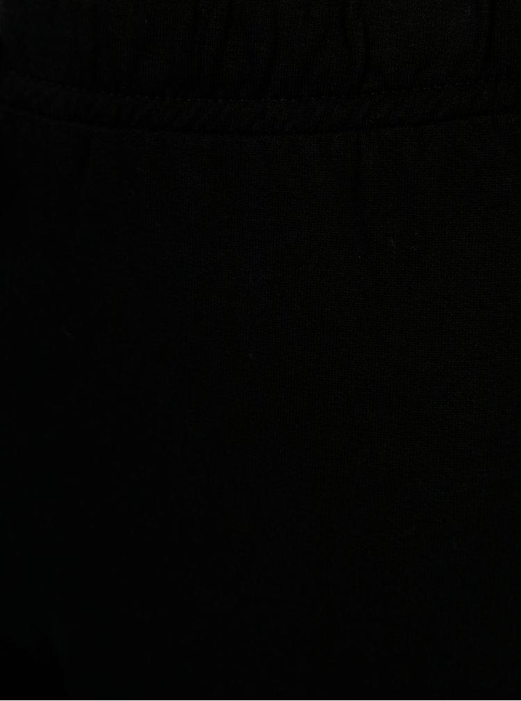 Černé klučičí tepláky s gumou v pase 5.10.15.
