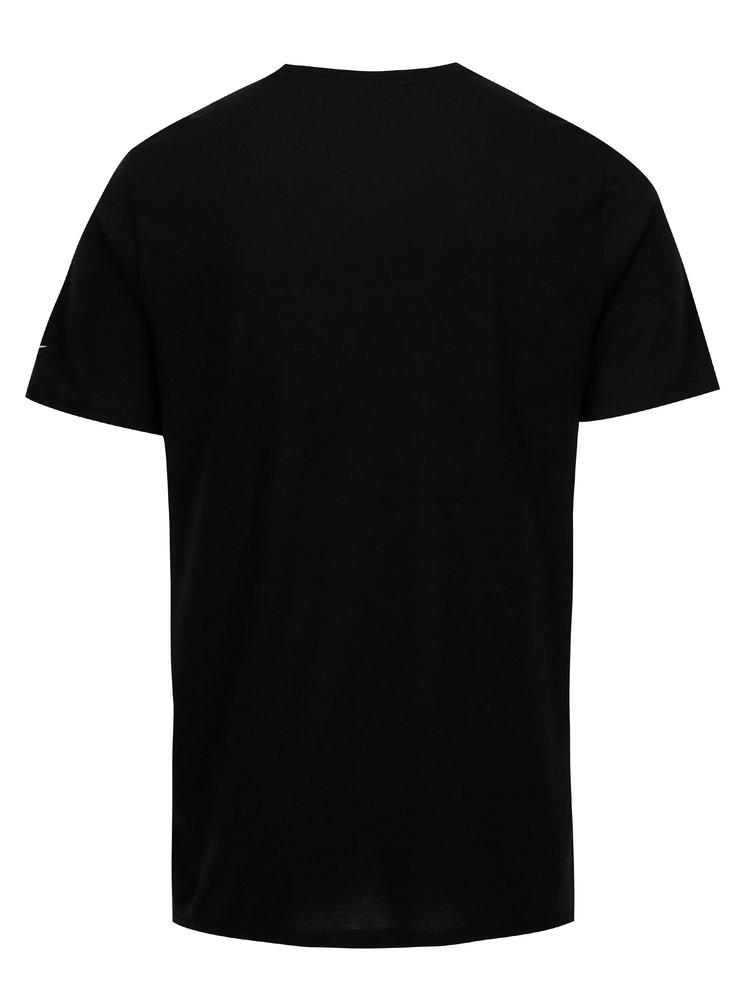 Černé pánské funkční tričko s potiskem Nike