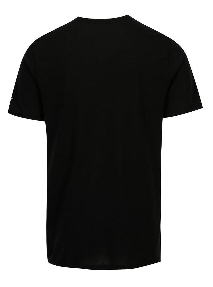 Černé pánské funkční tričko s bílým potiskem Nike