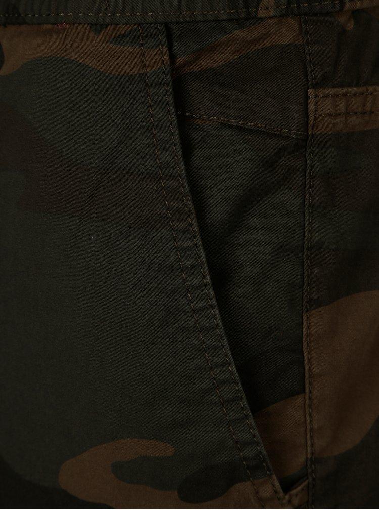 Tmavě zelené maskáčové kalhoty JJack & Jones Vega