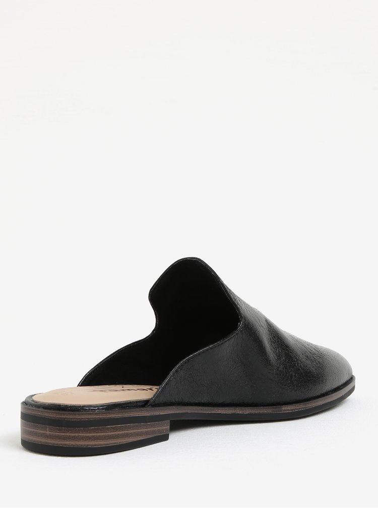 Černé lesklé pantofle Tamaris