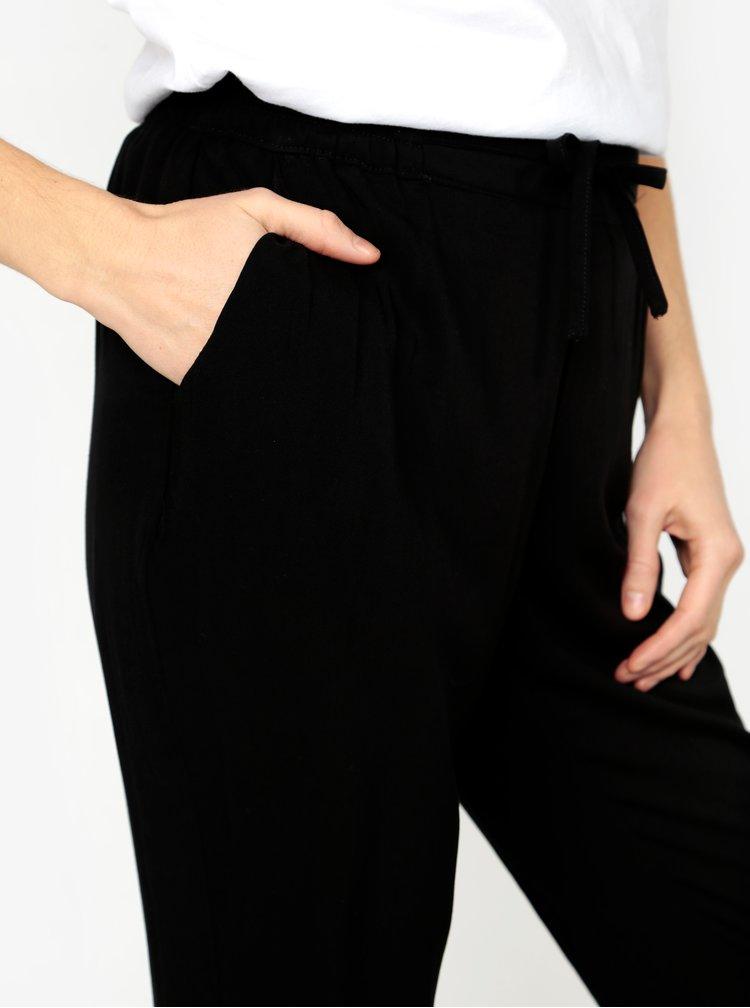 Černé zkrácené kalhoty s vysokým pasem VERO MODA Simply
