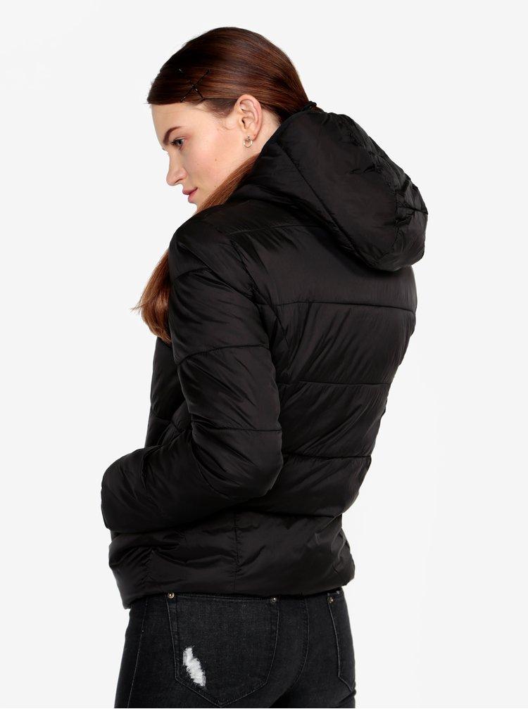 Černá prošívaná bunda s kapucí Miss Selfridge