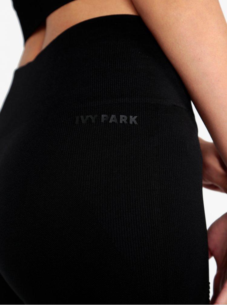 Černé legíny s průstřihy Ivy Park
