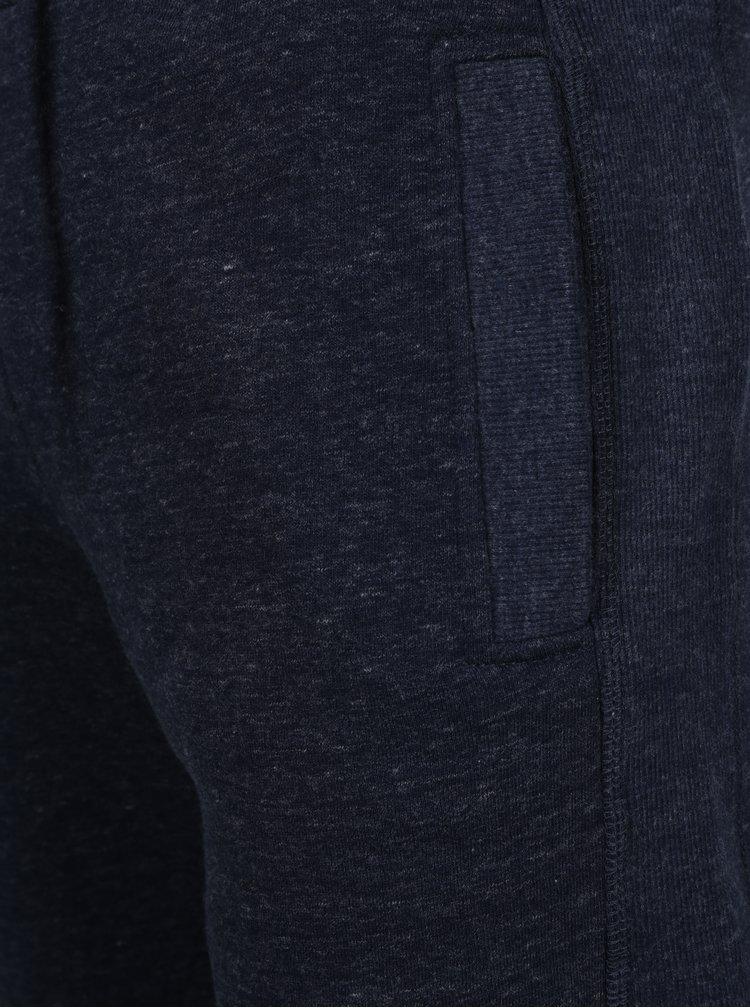 Tmavě modré žíhané slim fit tepláky Superdry