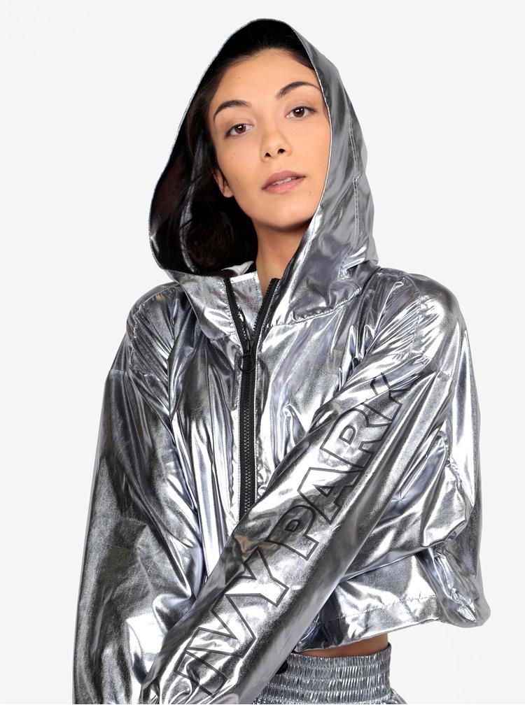 Šusťáková crop bunda ve stříbrné barvě Ivy Park