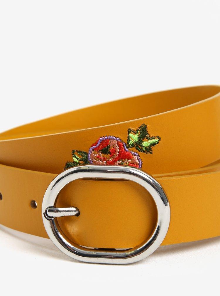 Hořčicový kožený pásek s květinami Pieces Iviaya