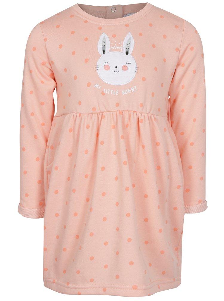 Oranžové holčičí šaty s nášivkou 5.10.15.