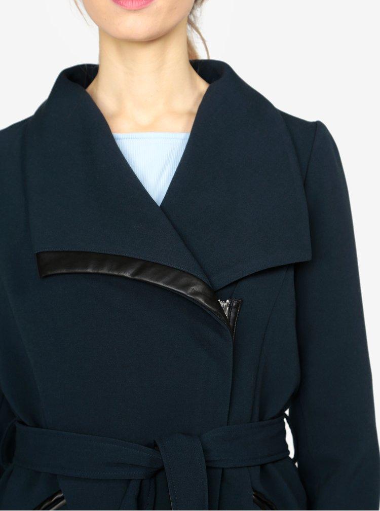 Tmavě modrý kabát s páskem VERO MODA Kirsten