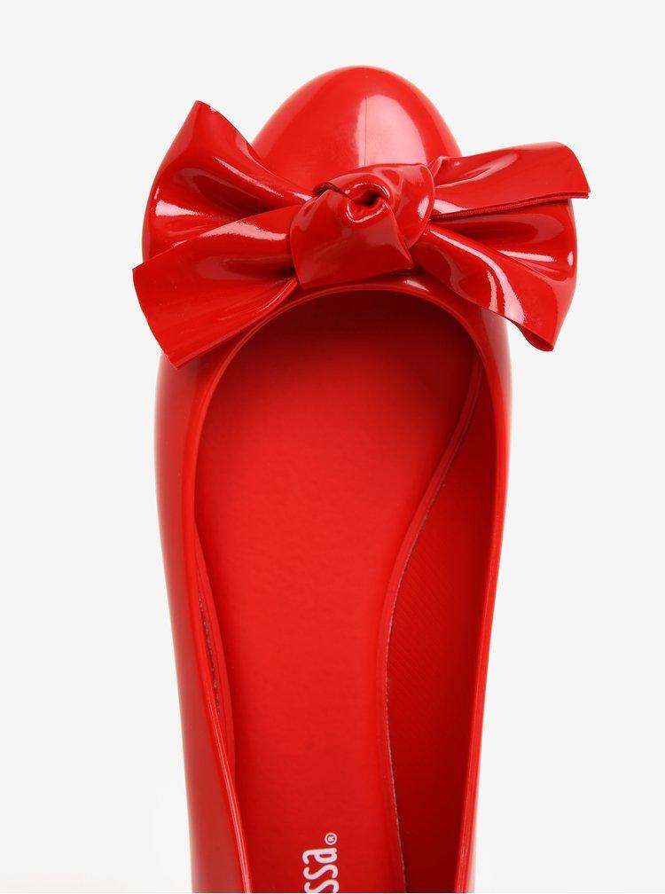 Červené lesklé baleríny s mašlí Melissa Doll