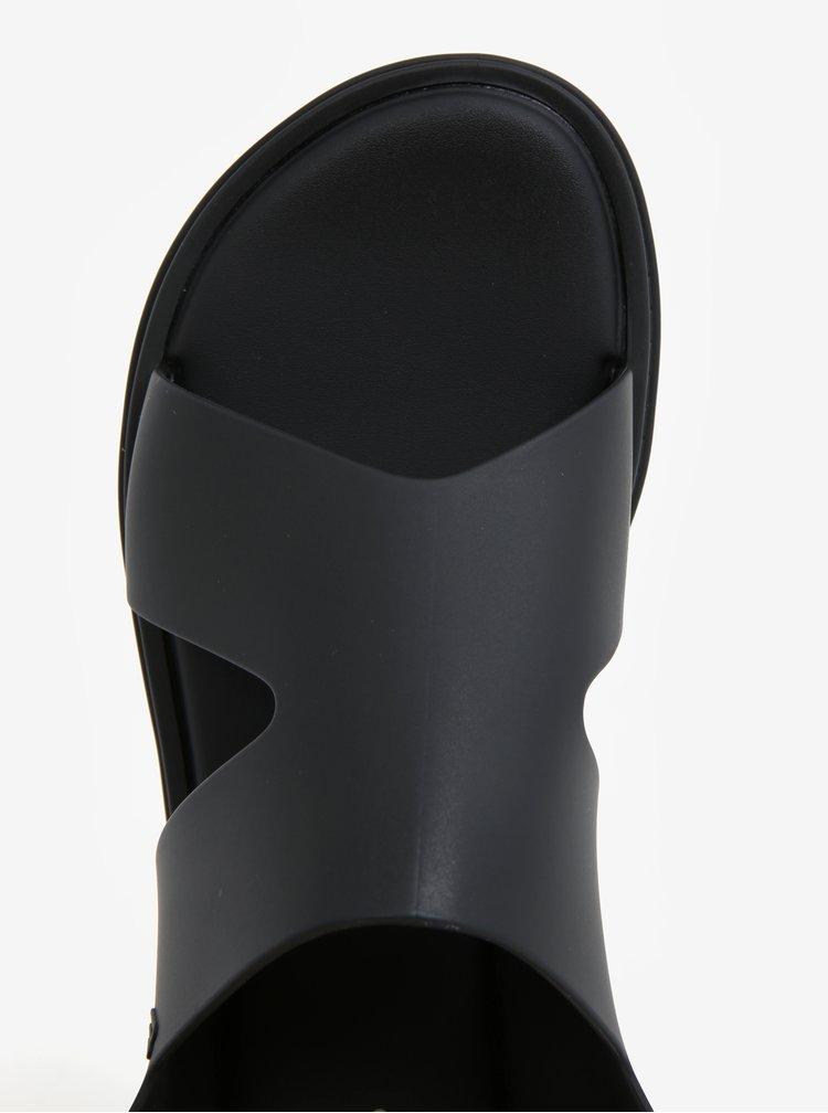 Černé sandály s přezkou Melissa Free