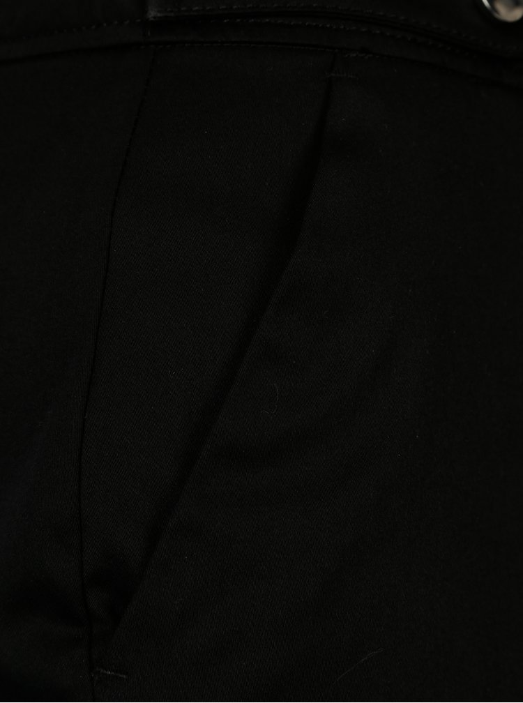Černé zkrácené kalhoty s ozdobnými knoflíky Dorothy Perkins