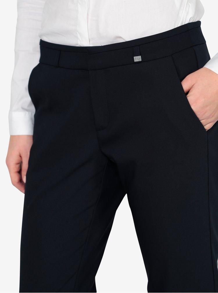 Tmavě modré dámské slim fit zkrácené kalhoty s.Oliver