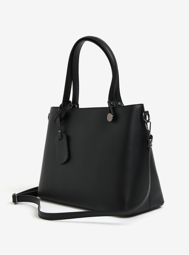 Černá dámská kožená kabelka s detaily ve stříbrné barvě KARA