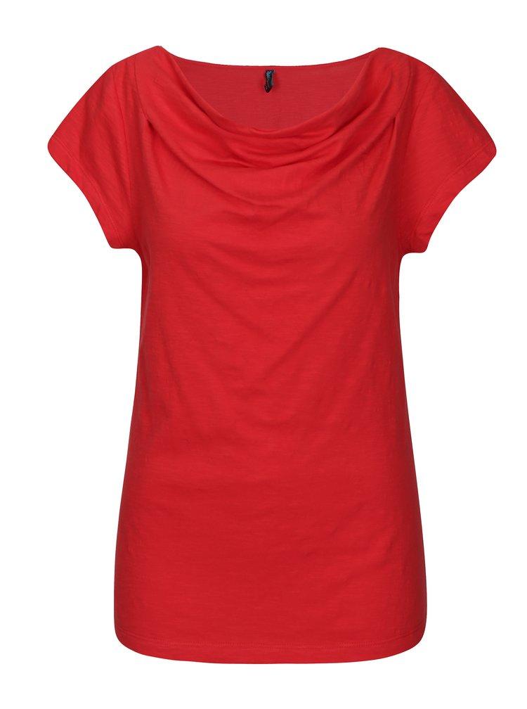 Červené tričko s řasením v dekoltu Tranquillo Hedera