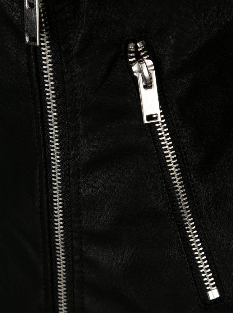 Černý koženkový křivák s aplikací na ramenou Noisy May Cora