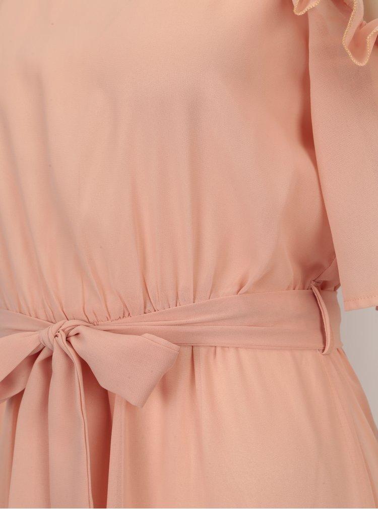 Světle růžové maxišaty s volány a páskem Mela London