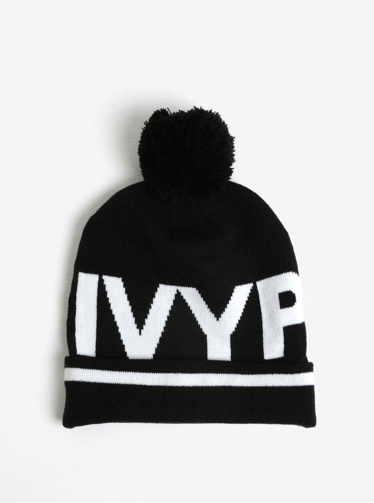 Černý kulich s logem Ivy Park