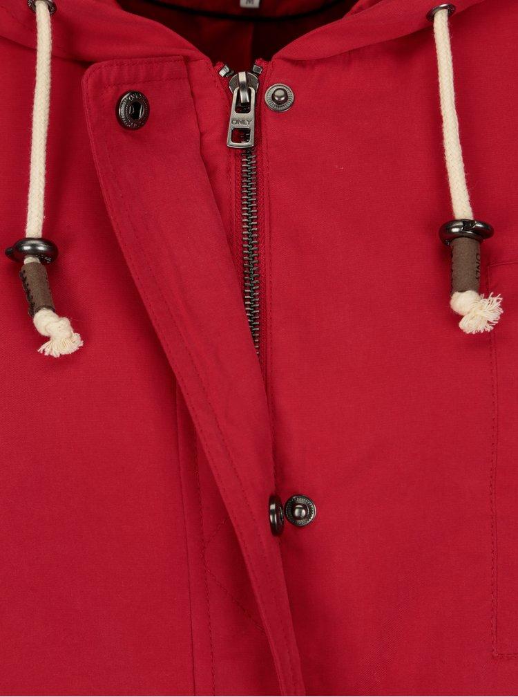 Červená bunda s kapucí ONLY New Skylar
