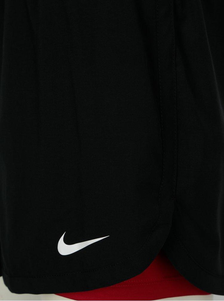 Červeno-černé kraťasy Nike