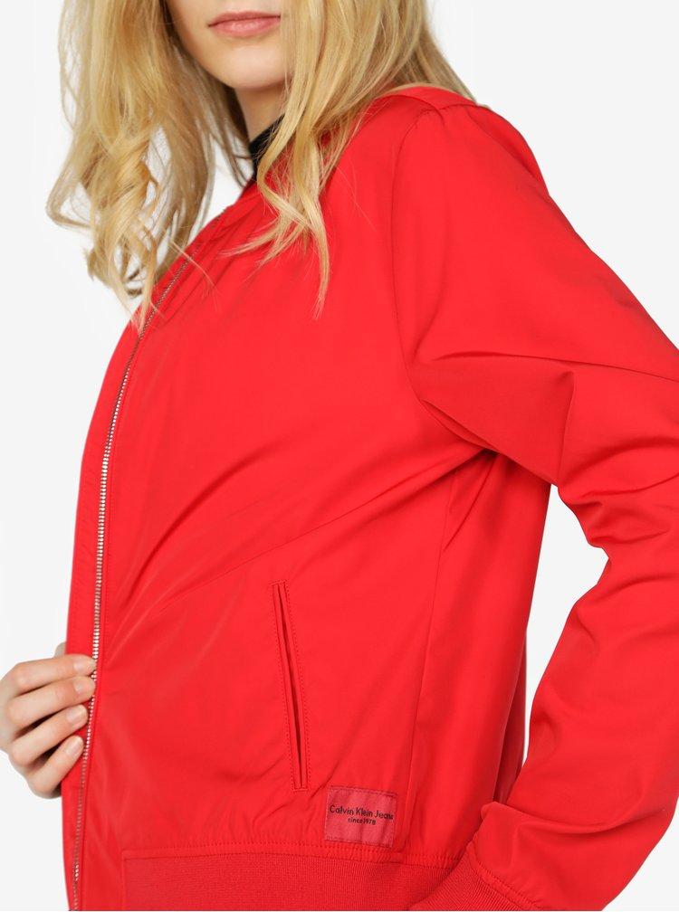 Červený dámský bomber Calvin Klein Jeans Owrana