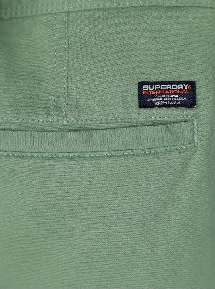 Světle zelené pánské chino kraťasy Superdry