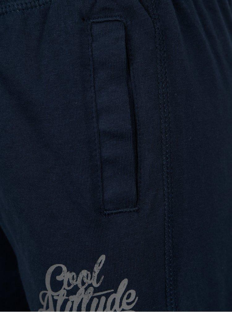 Tmavě modré klučičí kraťasy s nápisem BÓBOLI