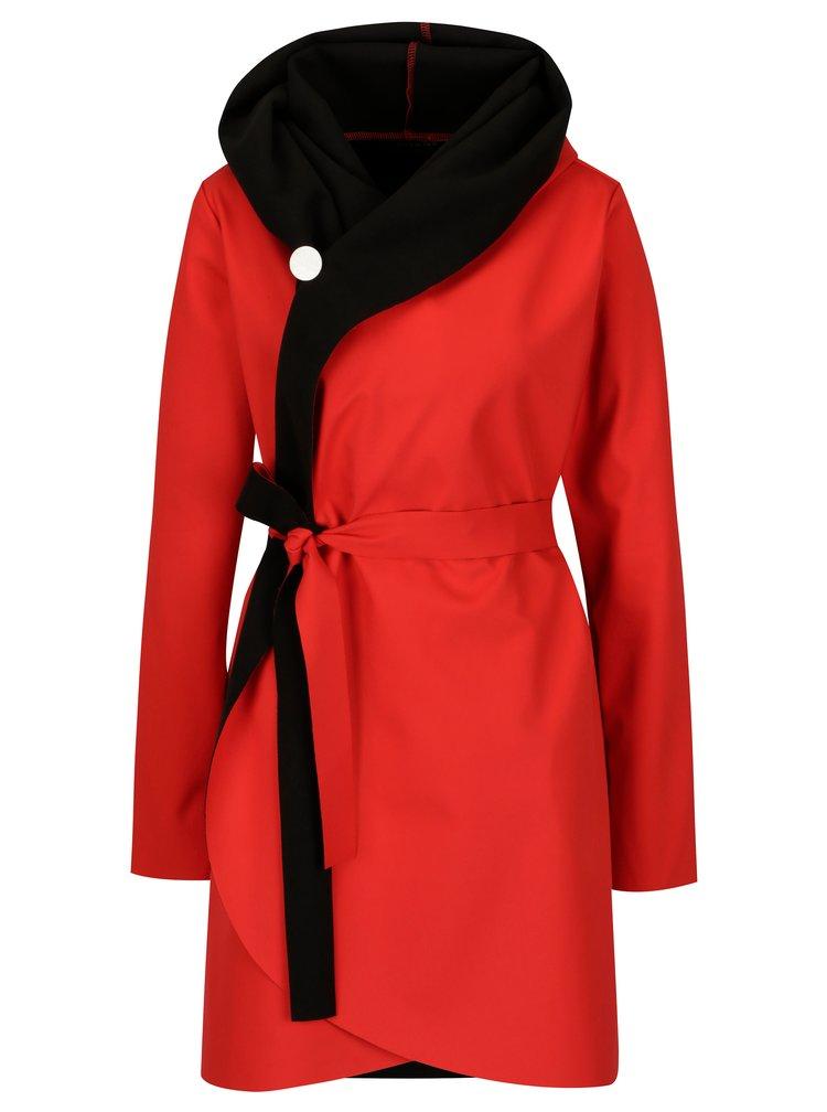 Černo-červený voděodolný kabát Design by Lucie Jack
