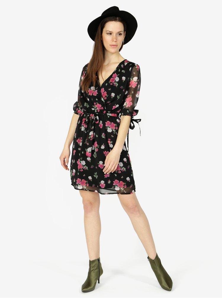 Čierne kvetované šaty s 3/4 rukávom VERO MODA Lili mini