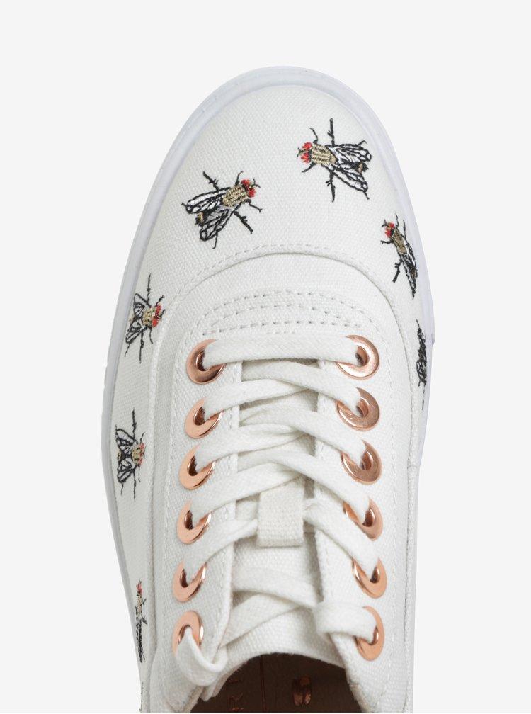 Bílé tenisky s výšivkami much na platformě Tamaris