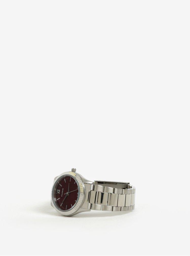 Postříbřené hodinky s vínovým ciferníkem a kovovým páskem Pilgrim