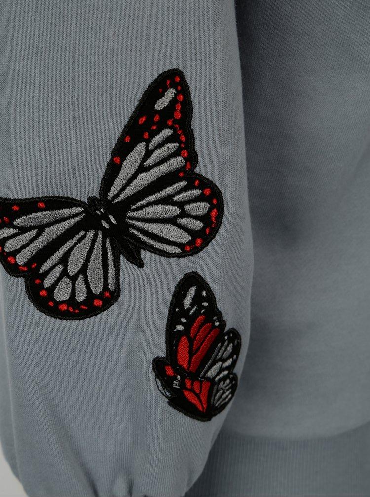 Šedá mikina s výšivkou motýlů Jacqueline de Yong Bille