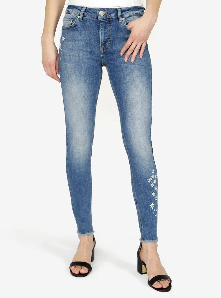 Modré zkrácené skinny džíny s výšivkou Desigual Satisfaction