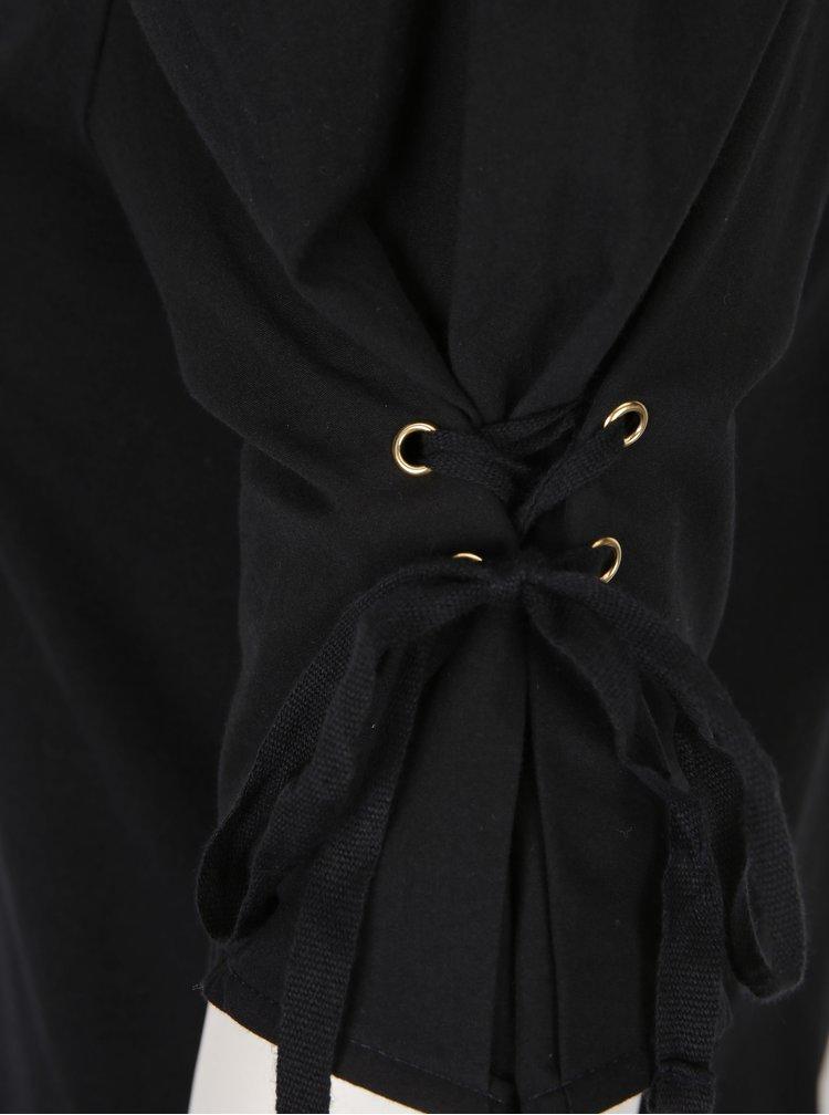 Černé tričko s nařasenými rukávy a šněrováním Miss Selfridge