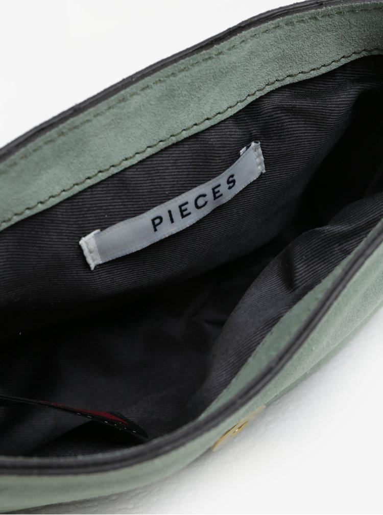 Světle zelená semišová crossbody kabelka Pieces Vonne