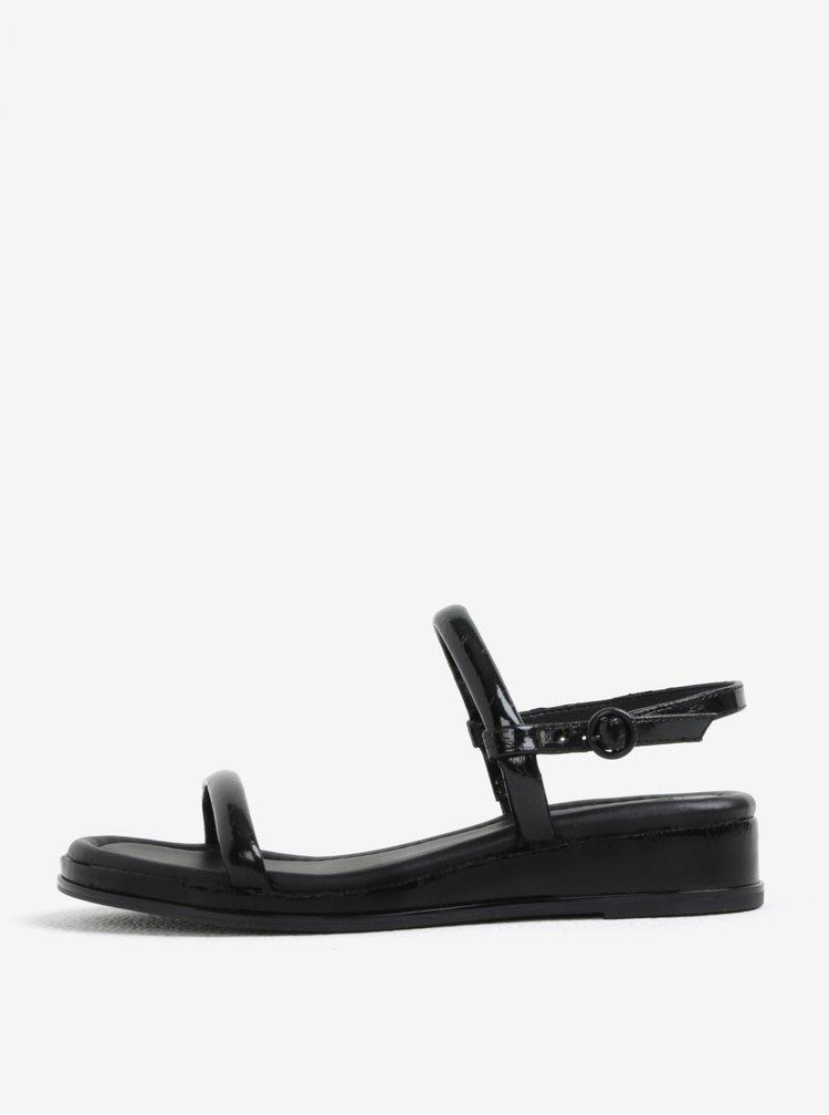 Černé sandály DKNY