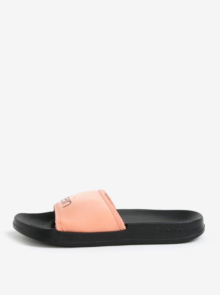 Meruňkovo-černé dámské pantofle Calvin Klein