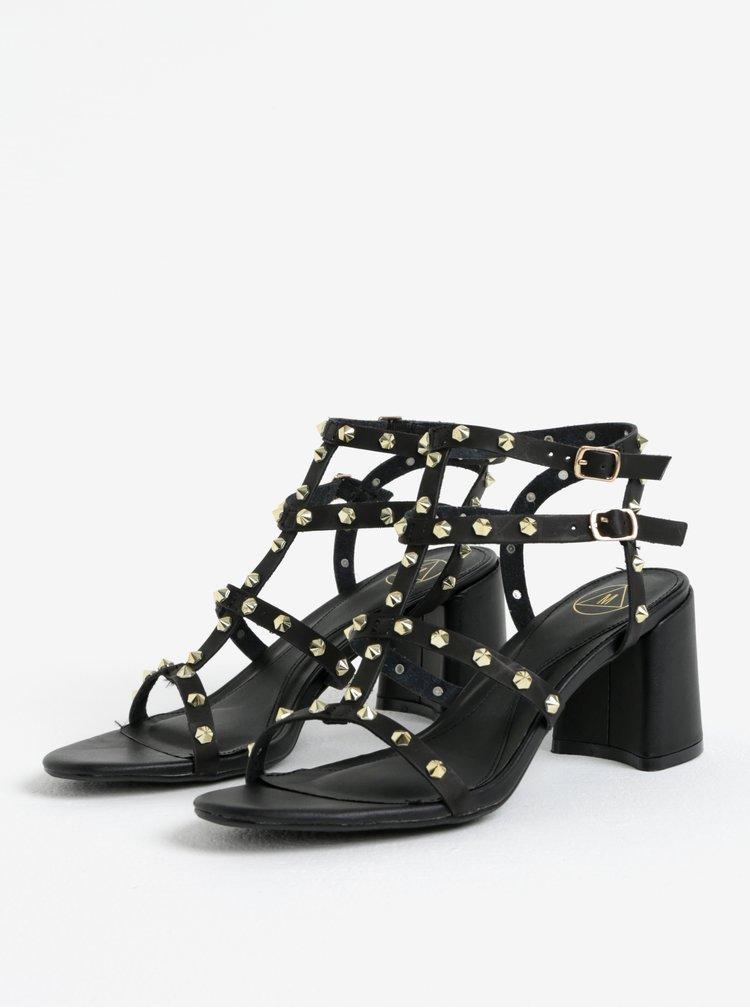 Černé sandálky s aplikací ve zlaté barvě MISSGUIDED