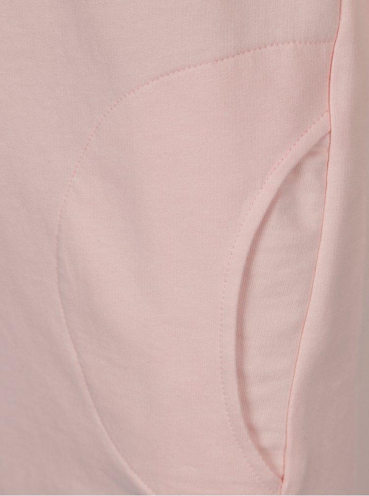 Růžové holčičí šaty s nášivkou 5.10.15.