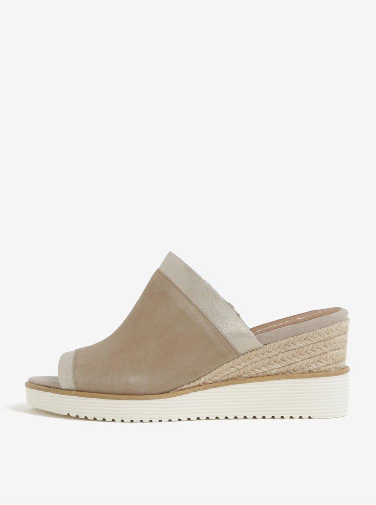 Béžové semišové pantofle na klínku Tamaris