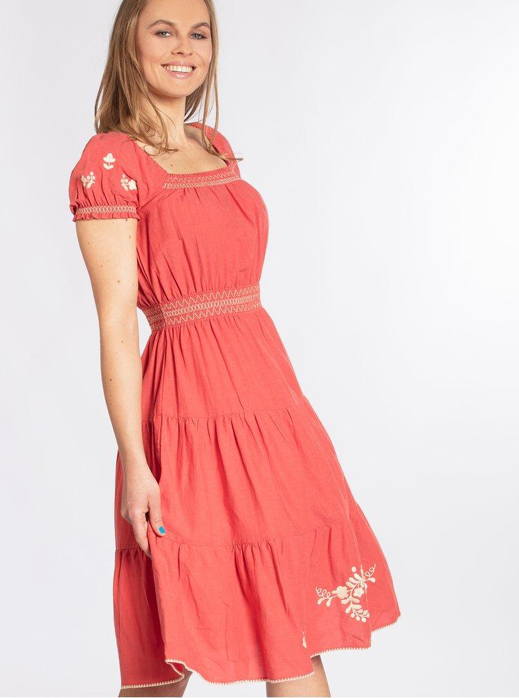 Červené šaty s květovanou výšivkou Blutsgeschwister