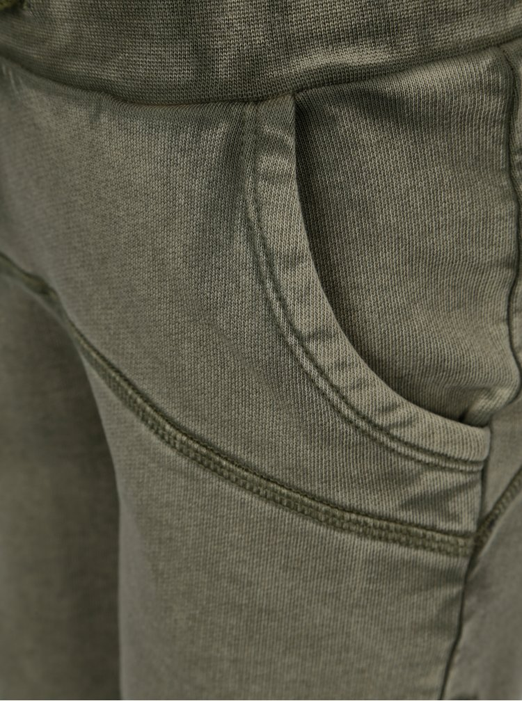 Khaki klučičí kraťasy s vyšisovaným efektem name it Karsten
