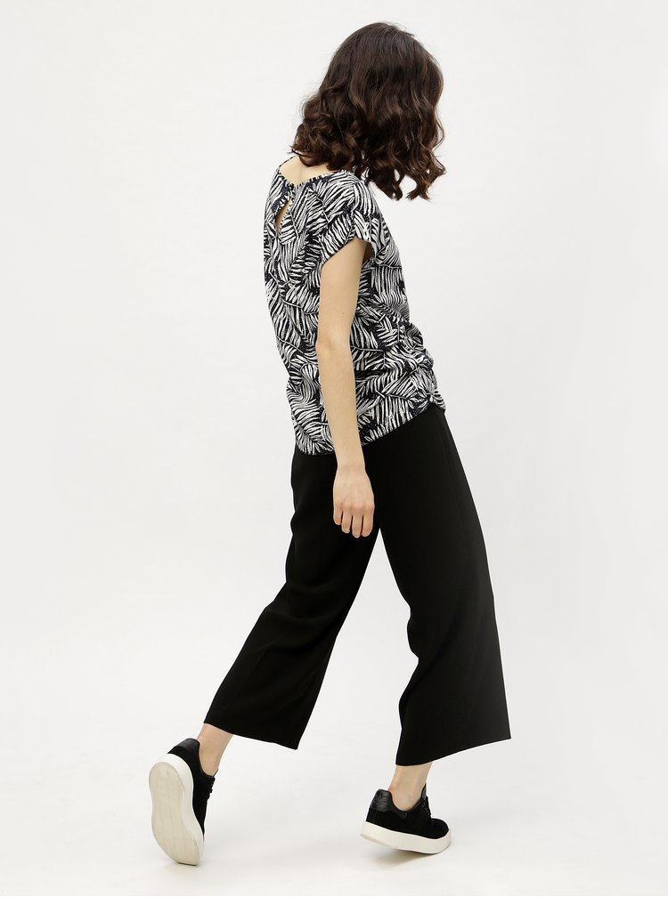 Tricou negru cu print vegetal Haily´s Julie