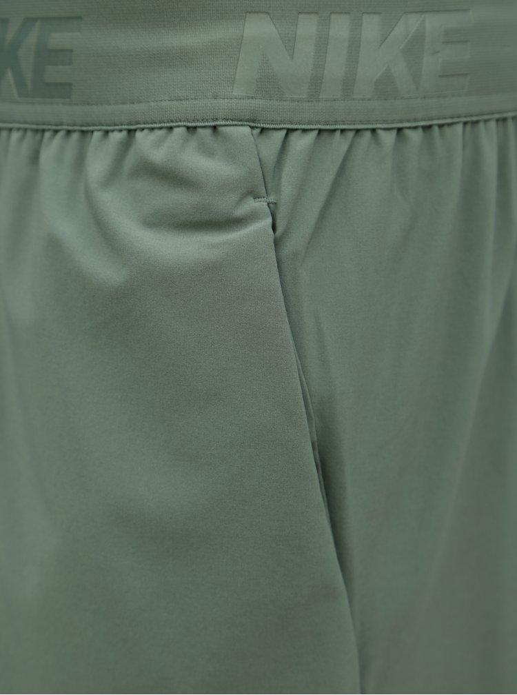 Zelené pánské standart fit kraťasy Nike FLEX