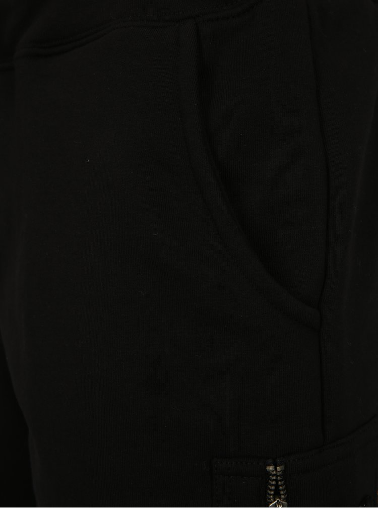 Černé pánské teplákové kraťasy ALPHA INDUSTRIES
